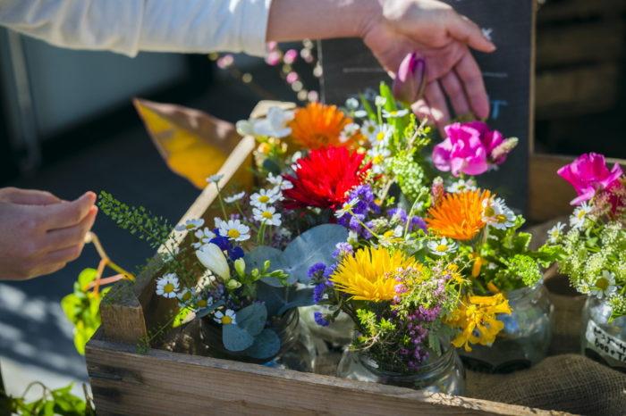 【花屋】岩手県奥州市にあるプレゼントに最適な花々を揃えるパルテール(フルールマルシェ)!