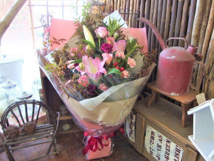 お祝花束「落ち着いたピンク」