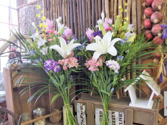 お供え束1対「菊なし、洋花で華やかに」
