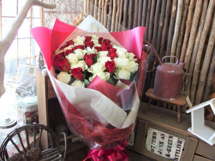 花束「バラをリッチに」