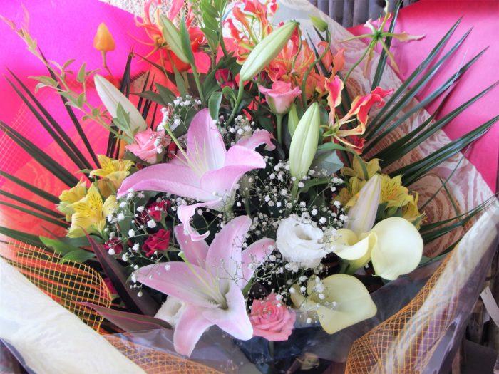 花束「退職祝にもおすすめ豪華なお花」
